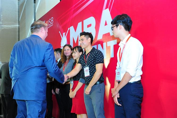 Cơ hội nhận học bổng MBA Talent