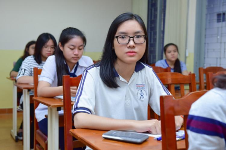 Đề thi đánh giá năng lực còn lồng ghép nội dung kiểm tra trình độ tiếng Anh, nhằm đánh giá toàn diện hơn năng lực của học sinh.