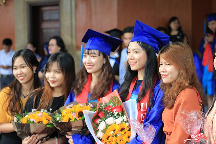 Viện ISB_cử nhân tốt nghiệp chương trình đào tạo bằng anh ngữ