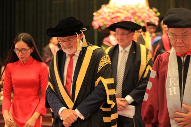 Viện ISB_lễ tốt nghiệp của cử nhân, thạc sĩ chương trình đào tạo bằng anh ngữ