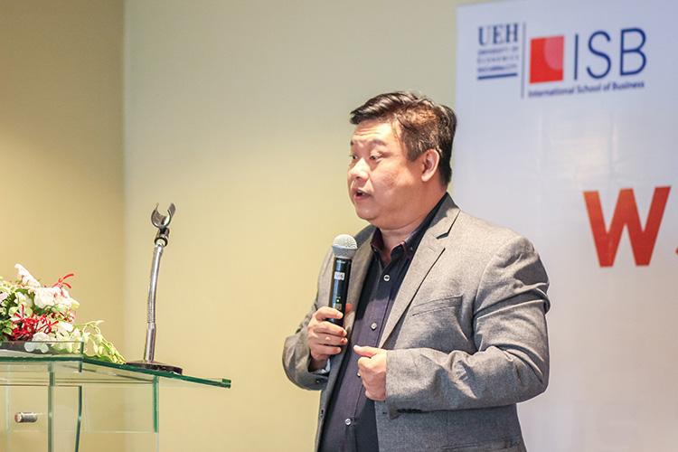 Viện ISB_thầy Trần Hà Minh Quân trong buổi lễ trao học bổng WSU BBUS Talent