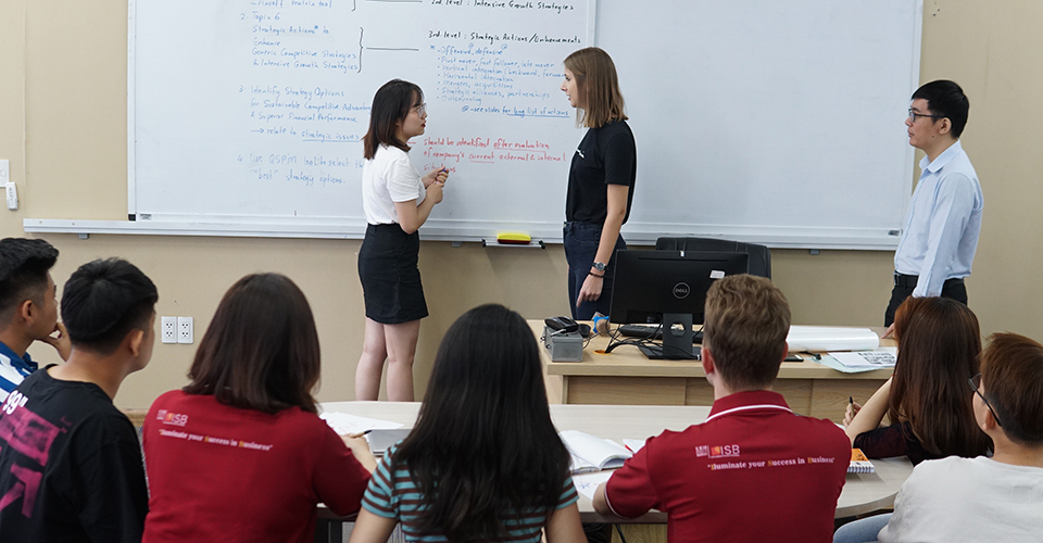 Đại học Kinh tế TP. Hồ Chí Minh 02