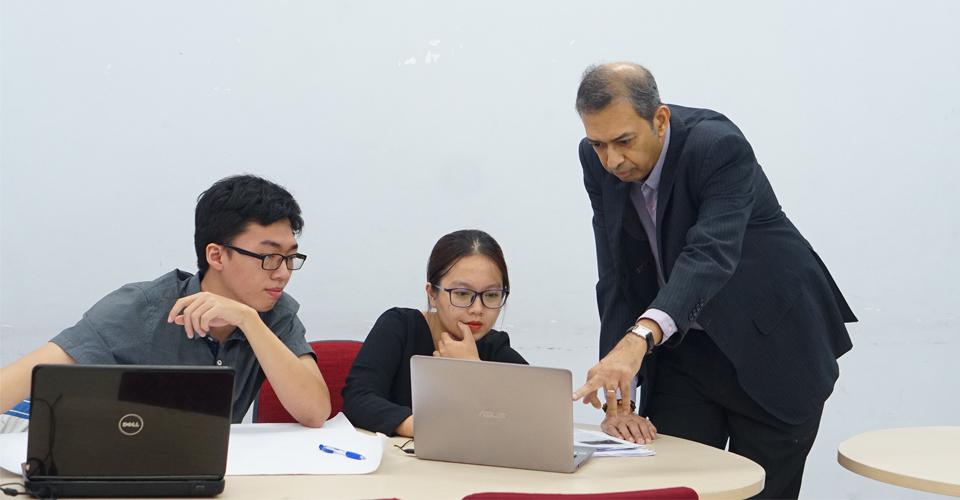 xét tuyển thẳng Đại học Kinh tế TP. Hồ Chí Minh