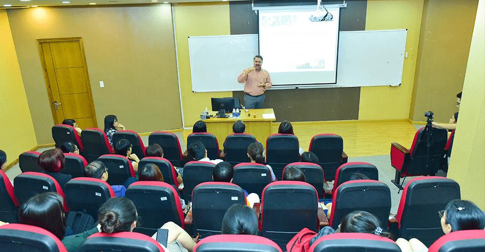 Lớp học MBA quốc tế tại Viện ISB