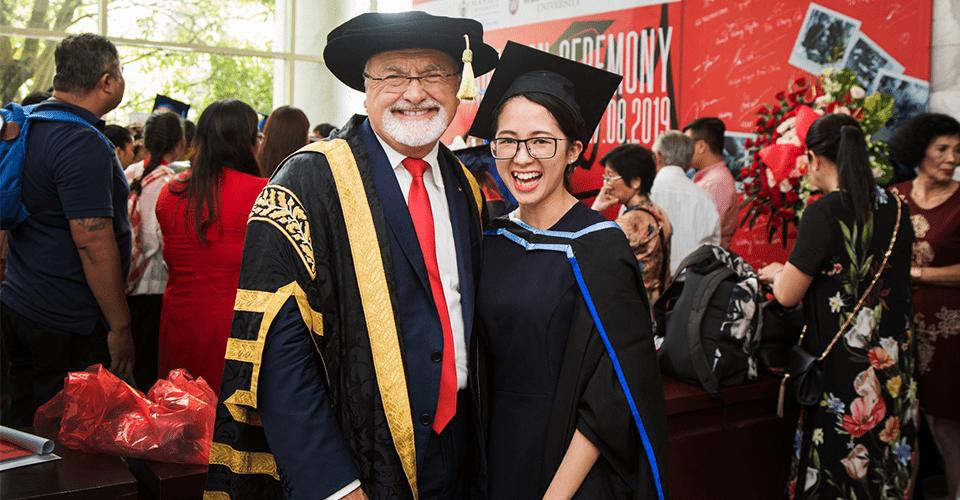 Học viên tốt nghiệp chương trình học MBA
