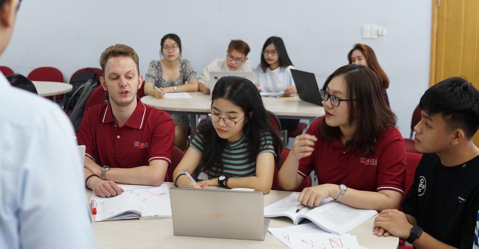 Lớp học chương trình Cử nhân Kinh doanh - Du học bán phần UEH-ISB Pathway BBus tại Viện ISB.