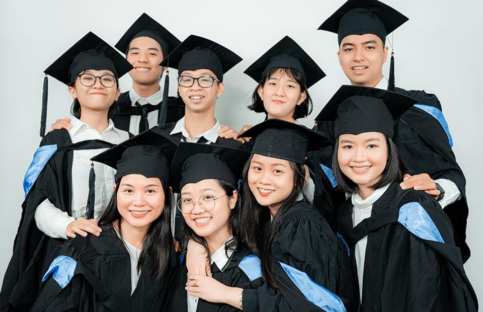 Sinh viên tốt nghiệp chương trình du học bán phần tại Đại học Western Sydney (Australia).